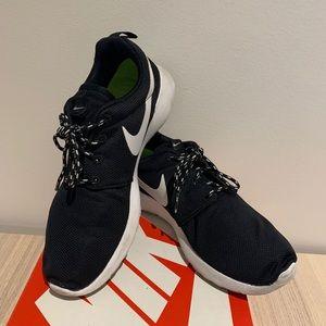 Nike Wmns Rosherun